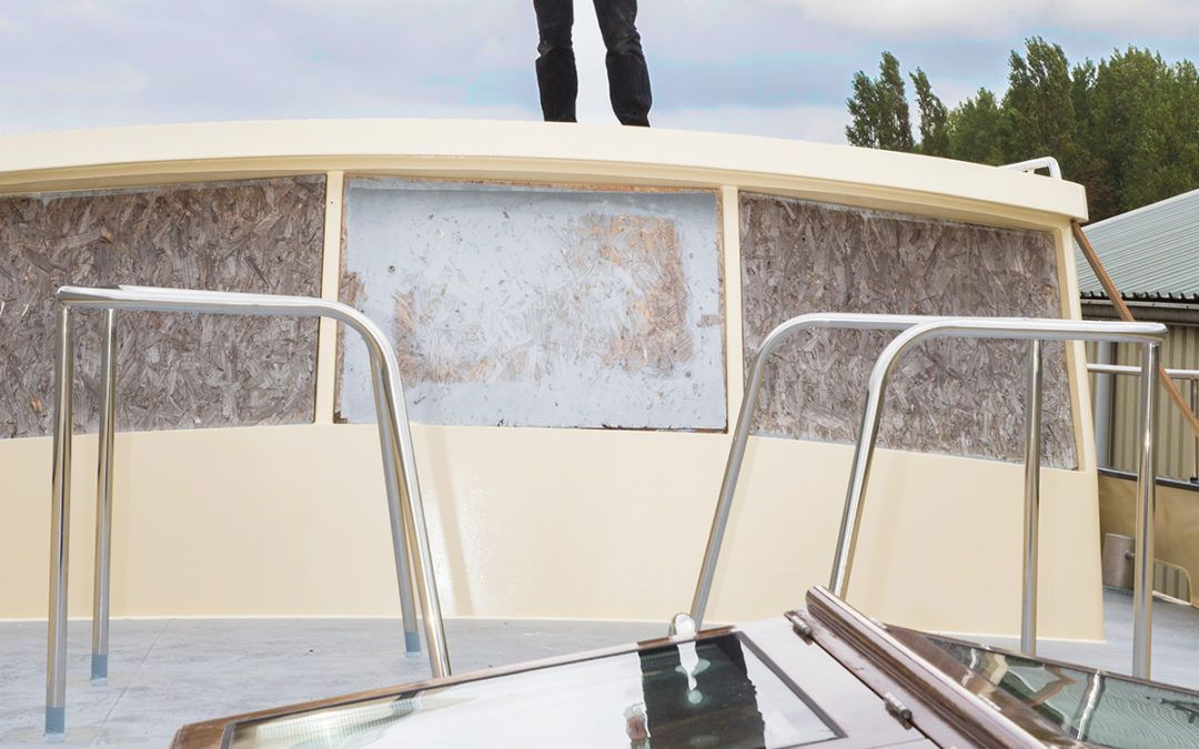 Portret jachtbouwer in Middenbeemster met hybride boot
